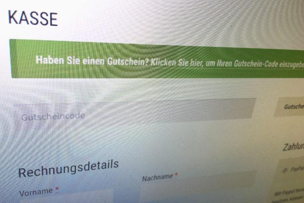 """WooCommerce Formal: Anrede auf """"Deutsch (Sie)"""" umstellen"""